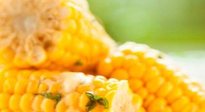 Como cozinhar milho mais rápido?