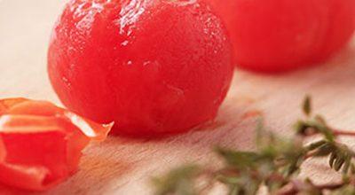 Como tirar a pele de tomates?